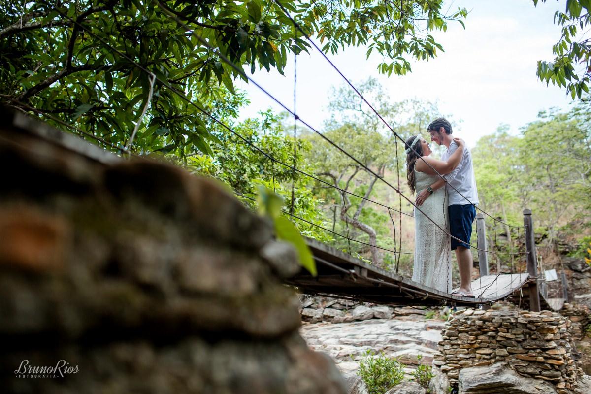 ensaio romântico pirenópolis - cachoeira usina velha