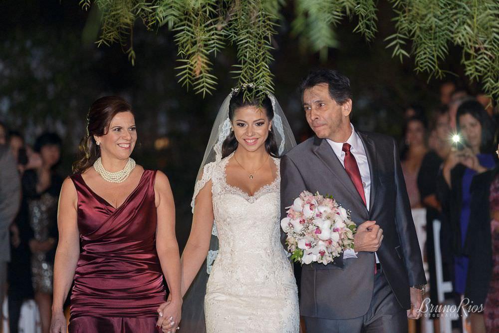 entrada da noiva casamento maryana jorge e tiago brasil - lago norte brasília - fotografia de casamentos em brasília - fotógrafo de casamentos em brasília - bruno rios fotografia - brunoriosfotografia